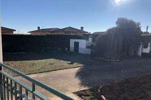 Ranch for sale in Castellanos de Villiquera.