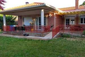 Chalet for sale in Los Almendros.
