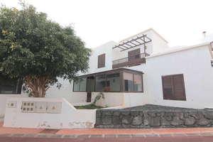 Zweifamilienhaus zu verkaufen in Costa Teguise, Lanzarote.