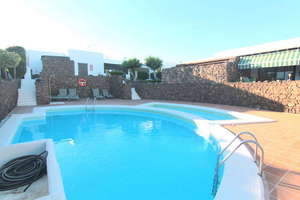 平房 出售 进入 Costa Teguise, Lanzarote.