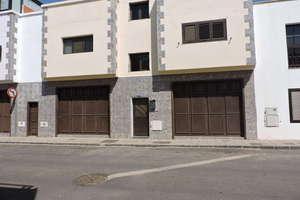 商业物业 出售 进入 Argana Baja, Arrecife, Lanzarote.