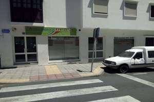 Commercial premise for sale in La Vega, Arrecife, Lanzarote.