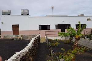 House for sale in La Costa, Tinajo, Lanzarote.