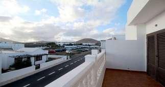 Casa a due piani vendita in Los Lirios, Tías, Lanzarote.