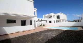 Vily na prodej v Playa Blanca, Yaiza, Lanzarote.
