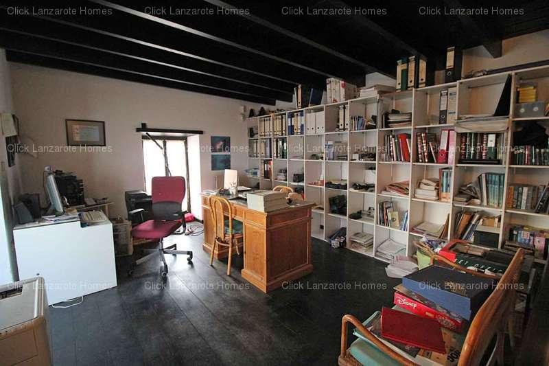 Casa in macher tias lanzarote 4 camere da for 4 piani casa in stile ranch con 4 camere da letto