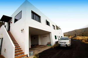Villa for sale in Haría, Lanzarote.
