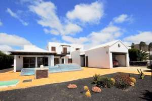 Villa for sale in Conil, Tías, Lanzarote.