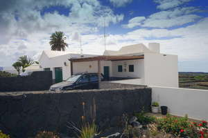 Villa for sale in Mancha Blanca, Tinajo, Lanzarote.