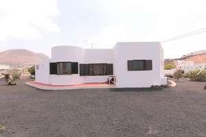 Bungalow for sale in La Vegueta, Tinajo, Lanzarote.