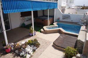 Villa for sale in Playa Honda, San Bartolomé, Lanzarote.