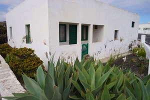 Villa for sale in Mancha Blanca, Tinajo, Lanzarote.