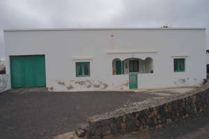 Villa for sale in Tinajo, Lanzarote.