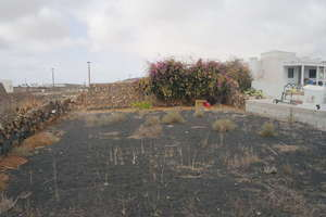 Urban plot for sale in La Vegueta, Tinajo, Lanzarote.