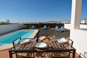 Zweifamilienhaus zu verkaufen in Playa Blanca, Yaiza, Lanzarote.