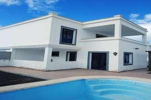 复式 出售 进入 Playa Blanca, Yaiza, Lanzarote.