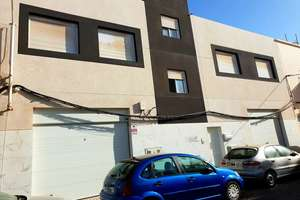 Building for sale in Argana Alta, Arrecife, Lanzarote.