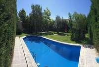 Chalet Luxury for sale in Urbanización Golf Guadiana, Badajoz.