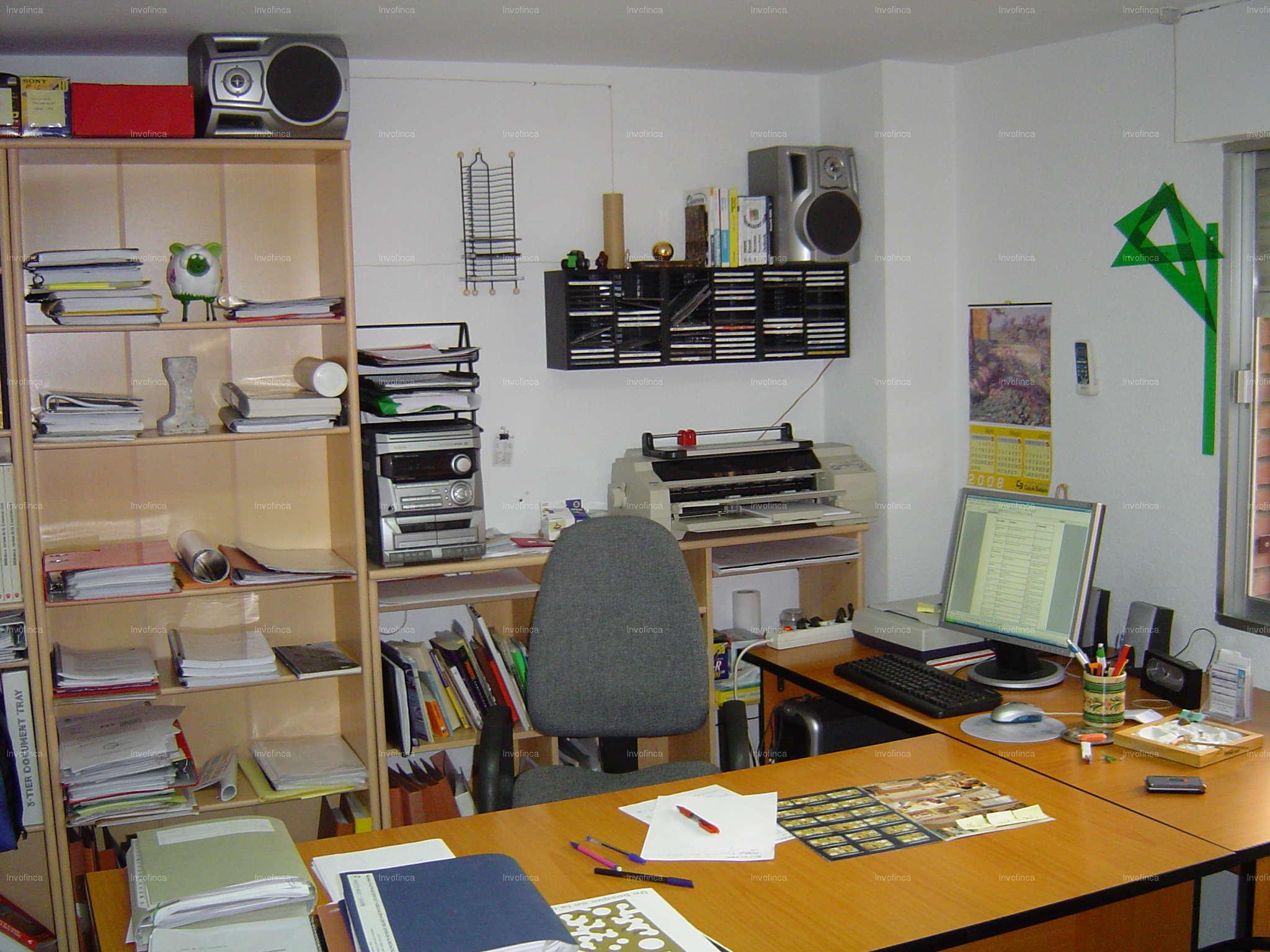 Oficina en alquiler en carolina coronado badajoz ref for Alquiler oficinas badajoz