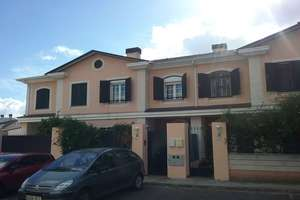 Cluster house for sale in Las Vaguadas, Badajoz.