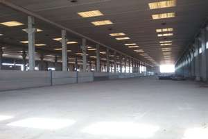 Warehouse for sale in Montijo, Badajoz.