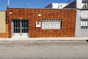 House for sale in San Roque, Badajoz.