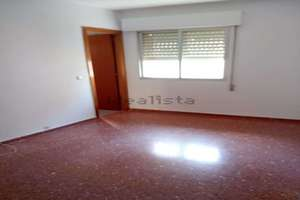 Flat for sale in San Roque, Badajoz.