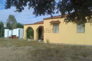 Chalet for sale in Tres Arroyos, Badajoz.