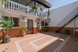 House for sale in Atarfe, Granada.