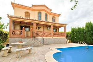 Chalet for sale in Atarfe, Granada.