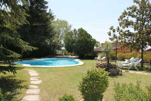 Chalet for sale in Alfacar, Granada.