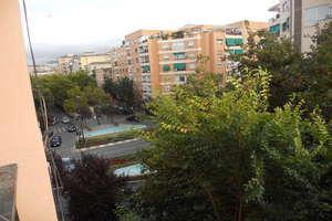 Flat for sale in Vergeles-Alminares, Granada.