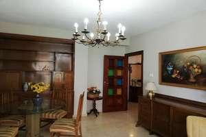 Flat for sale in Recogidas, Granada.
