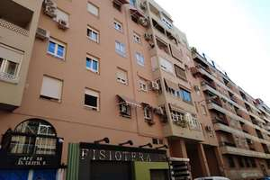 Flat for sale in San Antón, Granada.