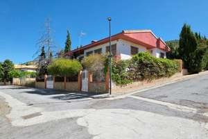 Chalet for sale in Puntal, Padul, Granada.