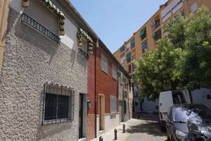 Cluster house for sale in Vergeles-Alminares, Granada.