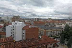 Flat for sale in Centro, León.