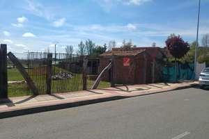 Urban plot for sale in Ribaseca, Santovenia de la Valdoncina, León.