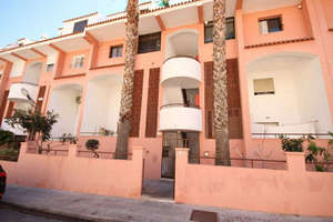Duplex for sale in Las Colinas, Aguadulce, Almería.