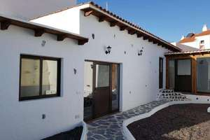 House for sale in Chio, Guía de Isora, Santa Cruz de Tenerife, Tenerife.