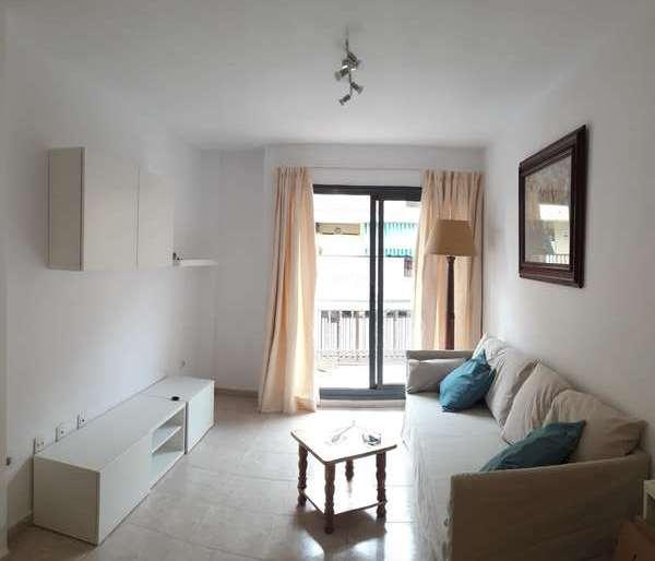 Venta y alquiler de viviendas en Los Cristianos, Tenerife.