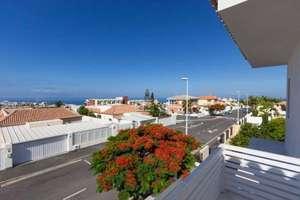 Villa's verkoop in El Madroñal, Adeje, Santa Cruz de Tenerife, Tenerife.