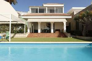 Chalet for sale in Costa Adeje, Santa Cruz de Tenerife, Tenerife.