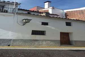 Townhouse for sale in Galaroza, Huelva.