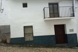 Townhouse for sale in Galaroza, Huelva.