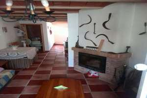 House for sale in Galaroza, Huelva.