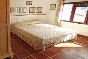 House for sale in Aracena, Huelva.