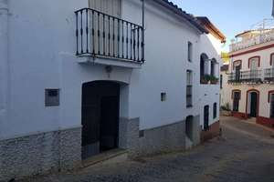 Townhouse for sale in Valdelarco, Huelva.