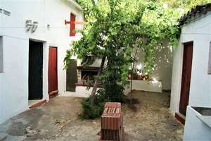 Townhouse for sale in Aracena, Huelva.