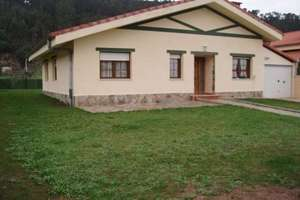 Chalet for sale in Hazas de Cesto, Cantabria.